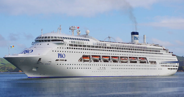 BUMS welcome the Pacific Jewel and Ukulele Cruisers